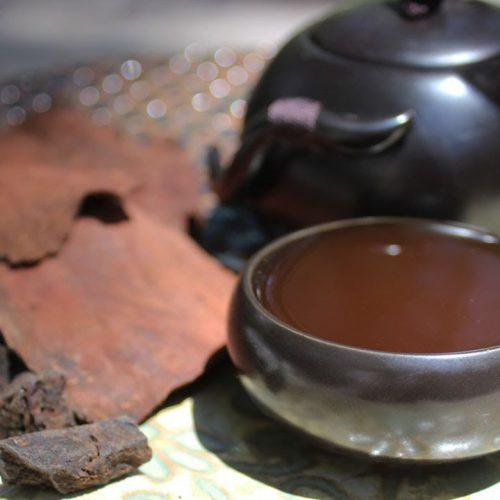 nên uống trà hà thủ ô vào buổi sáng