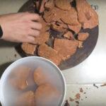 chế biến hà thủ ô với nước vo gạo trước khi dùng