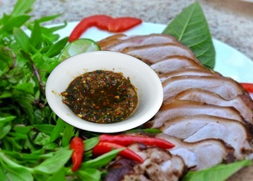 món thịt lợn nướng thêm hấp dẫn với chẳm chéo ướt