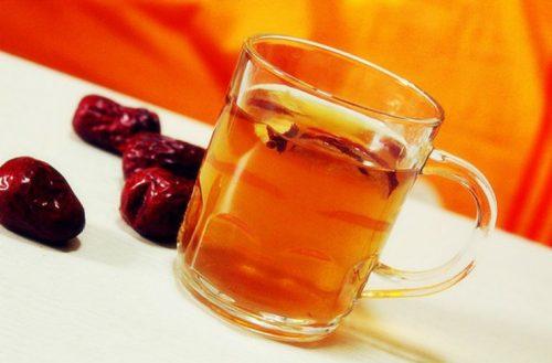 Nước trà táo đỏ kỷ tử hoa cúc thơm mát bổ